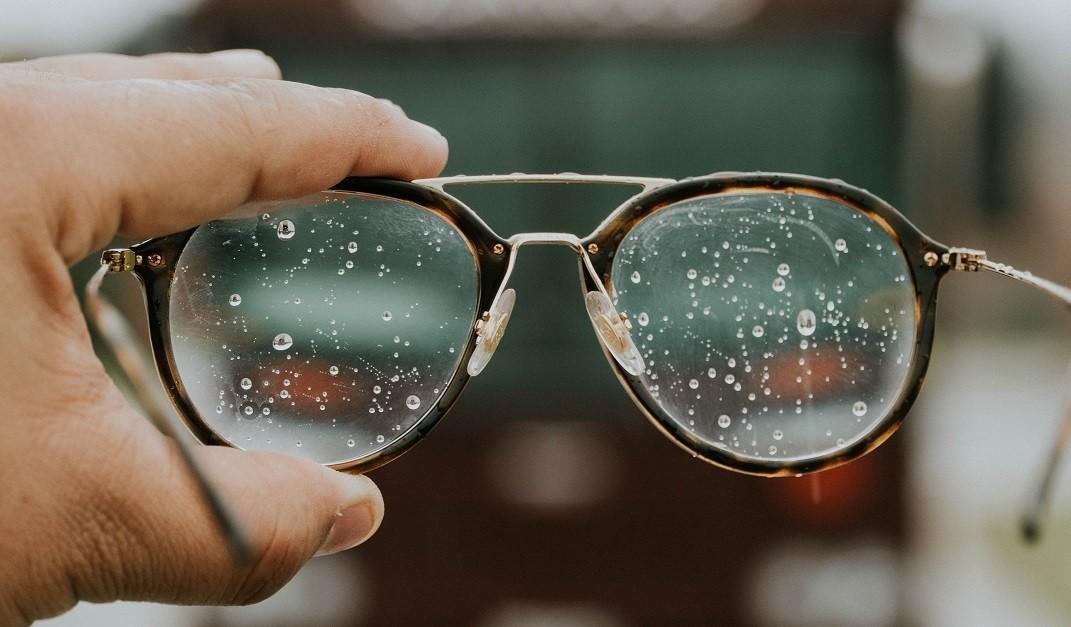 Brillenpflege | Der Brillenglas-Experten Ratgeber