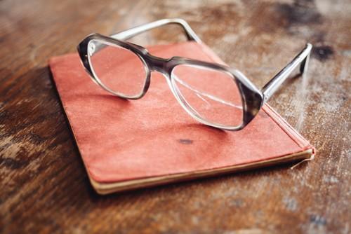 Kratzer im Brillenglas, was tun?